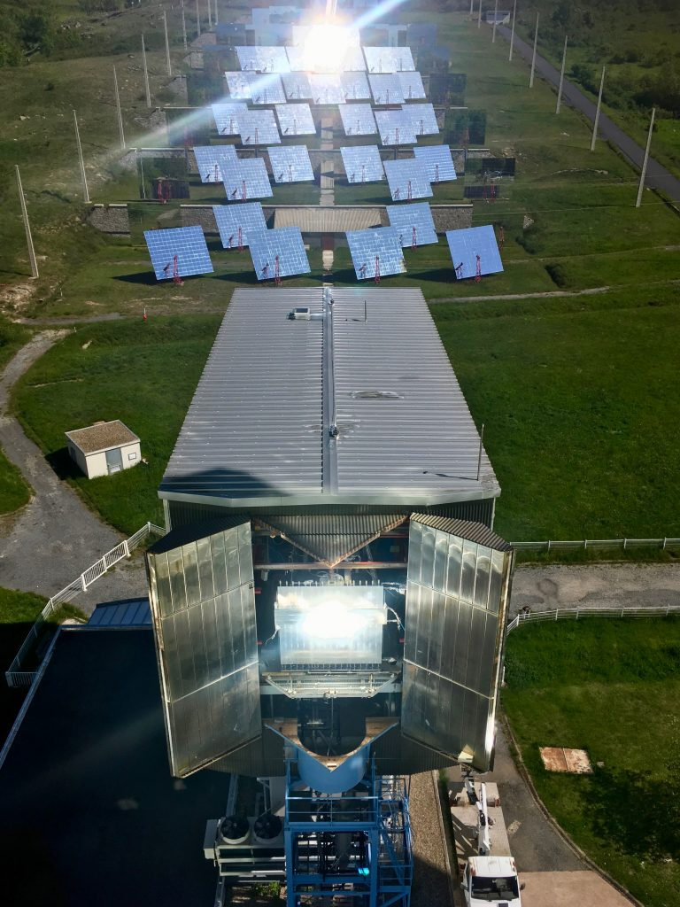 Heliostats and pilot-sacle solar reactor in operation-13.06.2019 (1)